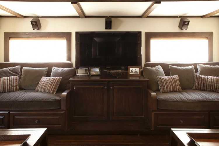 Vin Diesel's RV Living Room. Photo Courtesy of www.greatamericancountry.com